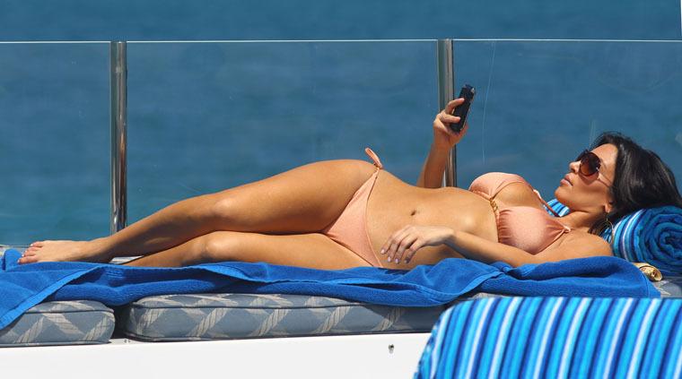 Ким кардашьян фото в купальнике порно 57957 фотография